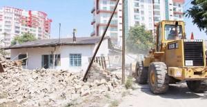 Konya Karatay'da 86 metruk bina yıkıldı!