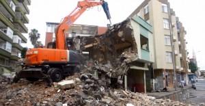 Kartal Yakacık Çarşı'da 9 bina daha dönüşüme girdi!
