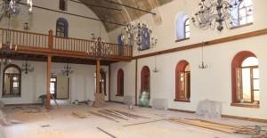 Manisa Turgutlu Belediyesi eski hizmet binasında restorasyon çalışmaları tamamlanıyor!