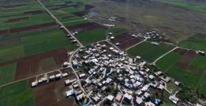 Şehitkamil Belediyesi 83 mahallenin arazi yolunu yeniliyor!