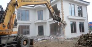 Osmangazi Belediyesi kaçak lüks villayı yıktı!