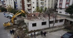 Kartal Belediyesi metruk binaları yıkıyor!