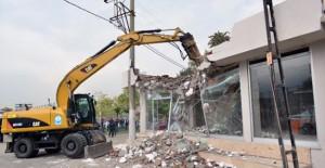 Yıldırım Belediyesi kaçak binaları yıkmaya devam ediyor!