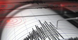 Son Dakika: İzmir'de deprem! 9 Ocak 2018