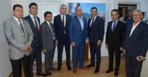 Adana Belediye Başkanı'ndan müteahhitlere çağrı!