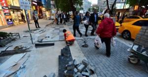 Ankara Büyükşehir Belediyesi Kızılay'ın kaldırımlarını yeniliyor!