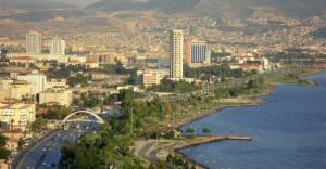 Bayraklı'da kentsel dönüşümün önü açıldı!