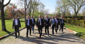 Büyükşehir Belediyesi İnegöl Hikmet Şahin Kültürparkı'nı onarıyor!