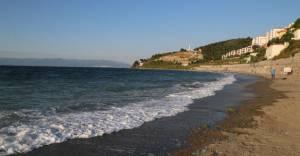 Büyükşehir Belediyesi Altınkum plajlarını temizliyor!