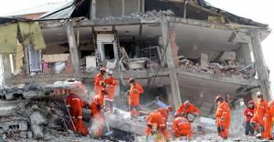 'İstanbul'da riskli binaların 4'te 1'i yıkıldı!'