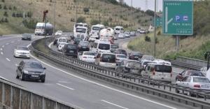 TEM otoyolu Sakarya bağlantısında trafik yoğunlaşıyor!İşte tem son durum...