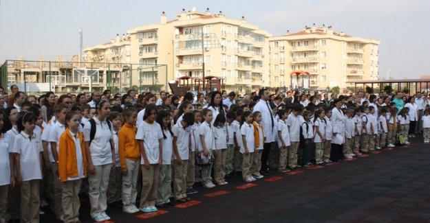 12 Ekim Pazartesi Bursa'da okullar açık mı ? Bursa bankalar açık mı ?