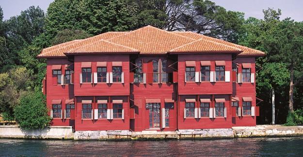 Türkiye'nin ilk yalı boyası; Alligator