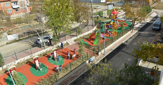 İnegöl Akhisar Mahallesi çocukları parkına kavuştu!