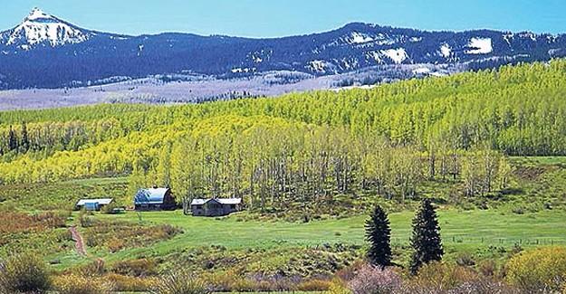 İçinde dağı bile olan devasa arazi 100 milyon dolardan satışa çıkıyor!
