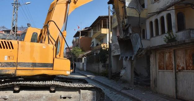 Antakya Emek ve Aksaray kentsel dönüşüm kapsamında yıkımlar devam ediyor!