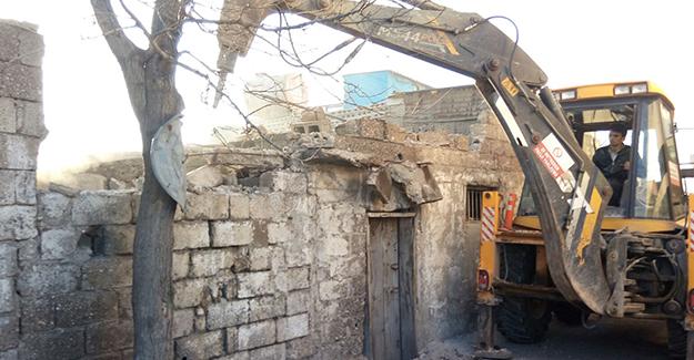 Kahramanmaraş Tekke kentsel dönüşüm projesi kapsamında yıkımlar sürüyor!