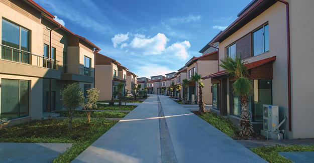 Palm City Modern Döşemealtı'nda yükseliyor!