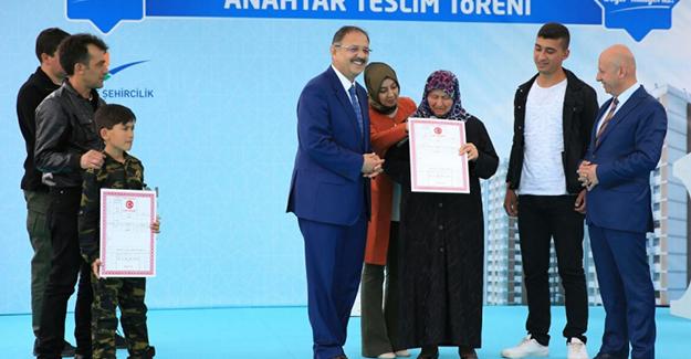Kayseri Ziya Gökalp kentsel dönüşüm projesinde anahtar teslim töreni yapıldı!
