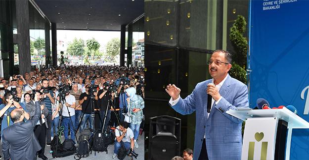 Bakan Özhaseki Üsküdar'da kentsel dönüşümü ve imar barışının detaylarını anlattı!