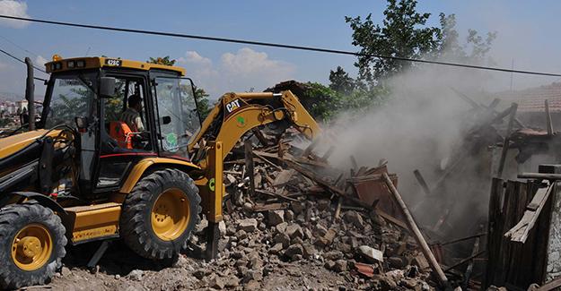Mamak Belediyesi 2018 yılı içerisinde 210 metruk yapıyı yıktı!