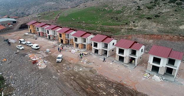 İzmir Çukurköy'de selden zarar gören binaların yerine yeni konutlar yılbaşına hazır olacak!