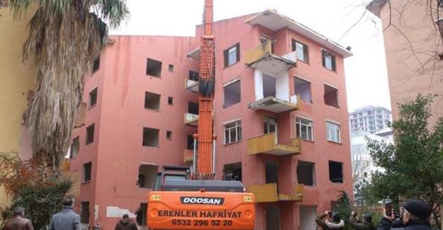 Kartal'da kentsel dönüşüm kapsamında Eczacıbaşı Sitesi'nde yıkım başladı!