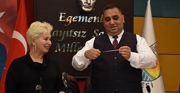 Tarsus Belediyesi konut projesinde kuralar engelli vatandaşlar için çekildi!