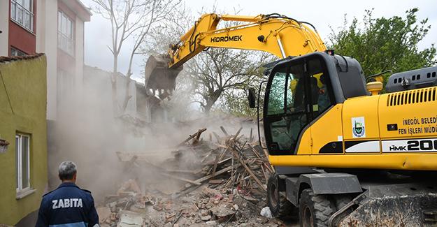 İnegöl Belediyesi kamulaştırma ve yıkım çalışmalarına devam ediyor!
