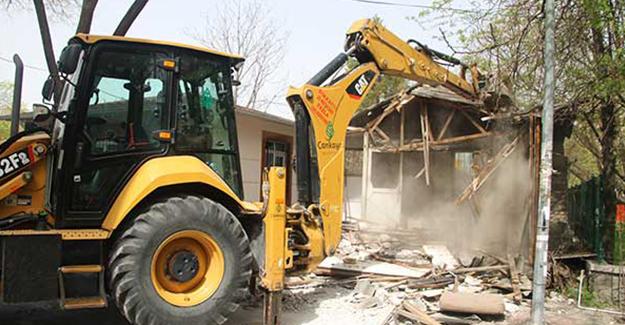 Çankaya Belediyesi 6 ayda 69 gecekonduyu yıktı!