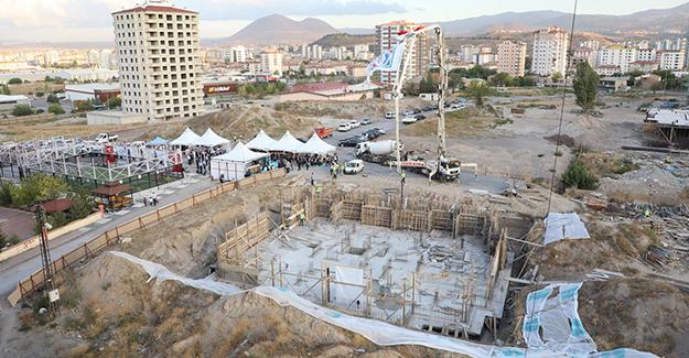 Kayseri Kazım Karabekir kentsel dönüşüm projesinde 99 konutun temeli atıldı!