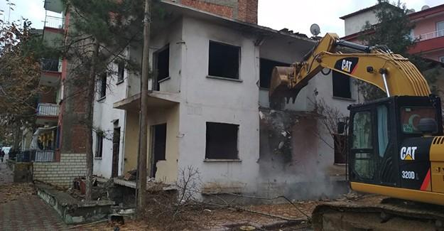 Çevre ve Şehircilik Bakanlığı depremin ardından riskli binalarda denetimlerini sıklaştırdı!