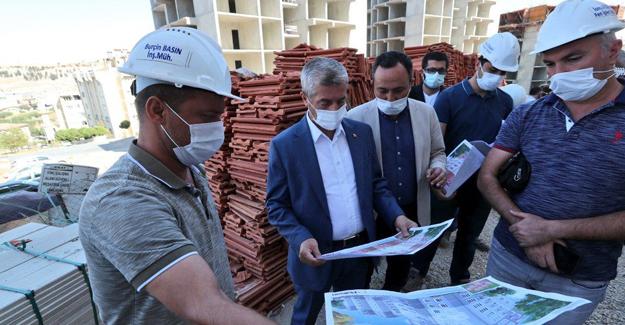 Başkan Tahmazoğlu, Şahinbey Perilikaya'daki 210 konutun çalışmalarını inceledi!