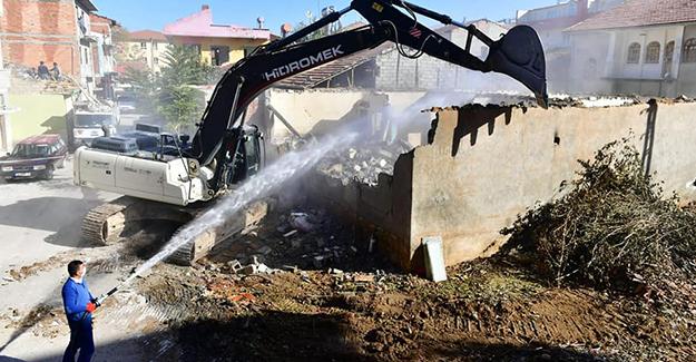 Yeşilyurt Turgut Özal Mahallesi kentsel dönüşüm projesinde yıkımlar başladı!