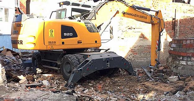 Osmangazi Namık Kemal Mahallesi'ndeki metruk yapı yıkıldı!
