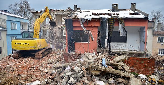 Yıldırım Mollaarap'ta kamulaştırılan binaların yıkımı devam ediyor!