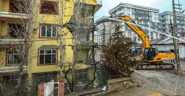 Van İpekyolu'nda metruk yapıların yıkımı devam ediyor!