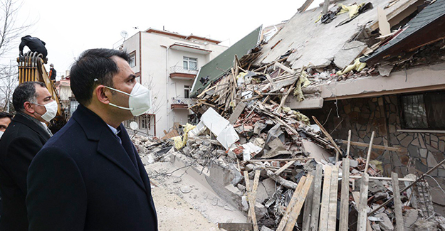 Bakan Kurum Çankaya'da yıkımına başlanan binayı inceledi!