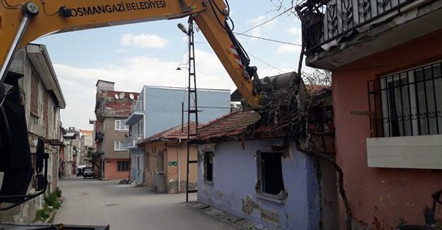 Osmangazi Zafer Mahallesi'ndeki metruk bina yıkıldı!