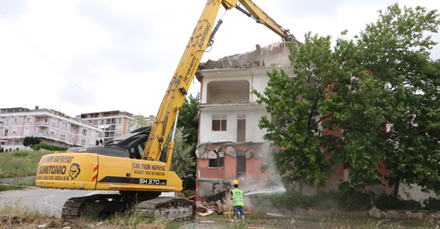 Büyükçekmece'de 70 daire kentsel dönüşüm kapsamında yıkıldı!