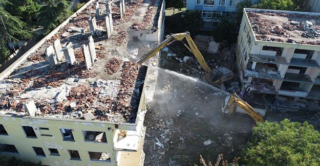 Büyükçekmece'de 115 riskli yapının kentsel dönüşüm kapsamında yıkıldı!