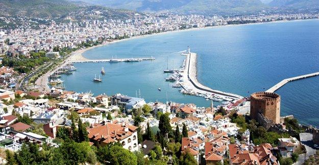 Antalya'da en çok Ruslar konut alıyor!