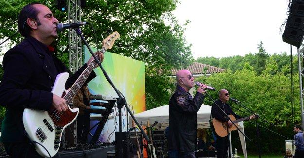 Kasaba Projesi 3. etabını MFÖ konseri ile satışa çıkardı!