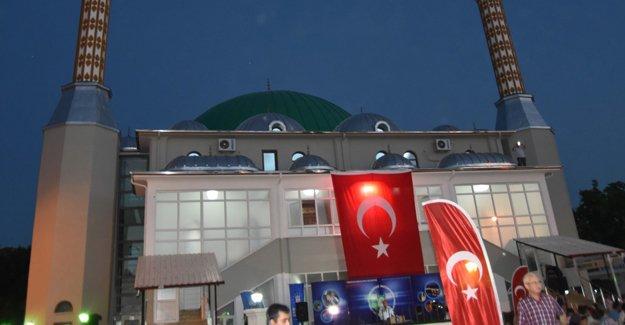 Mustafakemalpaşa'da 1500 kişilik cami açıldı!