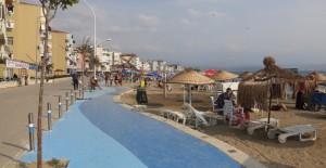 Büyükşehir, Kumla sahillerini güzelleştiriyor!