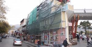 Bursa İstanbul Caddesi'ndeki binalar yeni bir görünüme kavuşuyor!