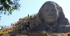 İzmir Buca'da Türkiye'nin en büyük Atatürk Maskı bakıma girdi!