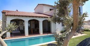 Çeşme Jardin Eden 3 farklı tipte villa yaşamı sunuyor!