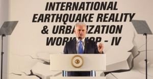 """Başbakan Binali Yıldırım, """"Deprem gerçeğiyle yaşamalıyız""""!"""