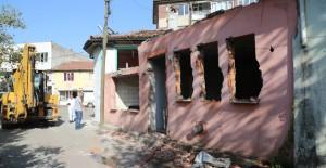 Bursa Demirtaşpaşa'da kamulaştırılan 6 binanın yıkımı gerçekleştirildi!